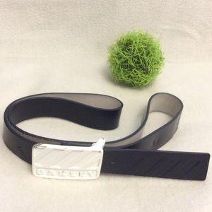 Men's Oakley white buckle dark grey leather belt